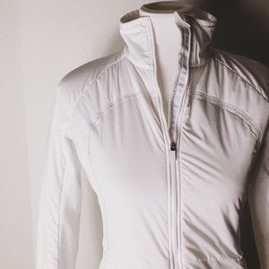 BOGO lululemon run for cold jacket!